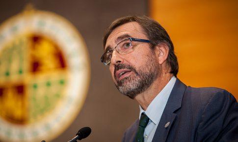 Juan Gómez Ortega presenta su candidatura a Rector de la Universidad de Jaén