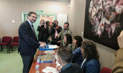 El rector de la UJA, Juan Gómez, revalida su cargo con más del 80% del apoyo